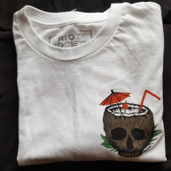 8919ba8d 🆕Medium - RIOT SOCIETY Coconut Skull Mens T-Shirt